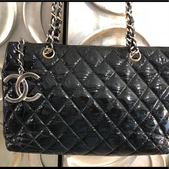 06533dd11c8c CHANEL Handbags - Chanel Vintage Rare Beautiful Bag
